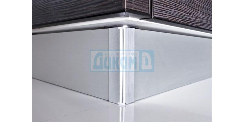 PVC plinths, corners and seals