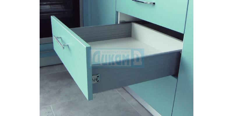 Metal pages for drawer without smooth closing